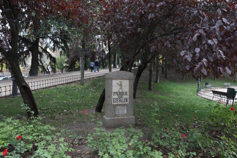 El parque de Berlín, un rincón de solidaridad y memoria en Madrid