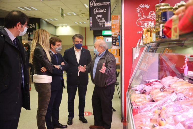 El alcalde visita Prosperidad para apoyar al pequeño comercio