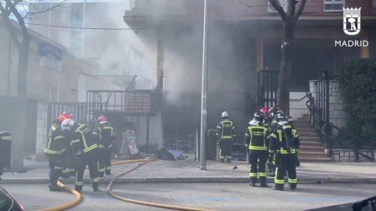 La policía detiene a tres menores por incendiar un bazar en Chamartín